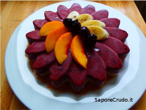 Torta gelato Raw di frutta fresca.